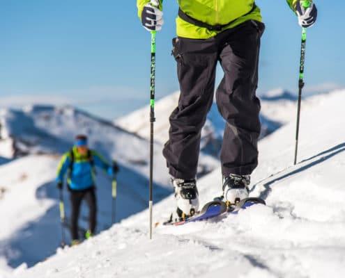 Skitourengeher am Weg Richtung Hundsfeldscharte auf der Nockberge-Trail Skidurchquerung