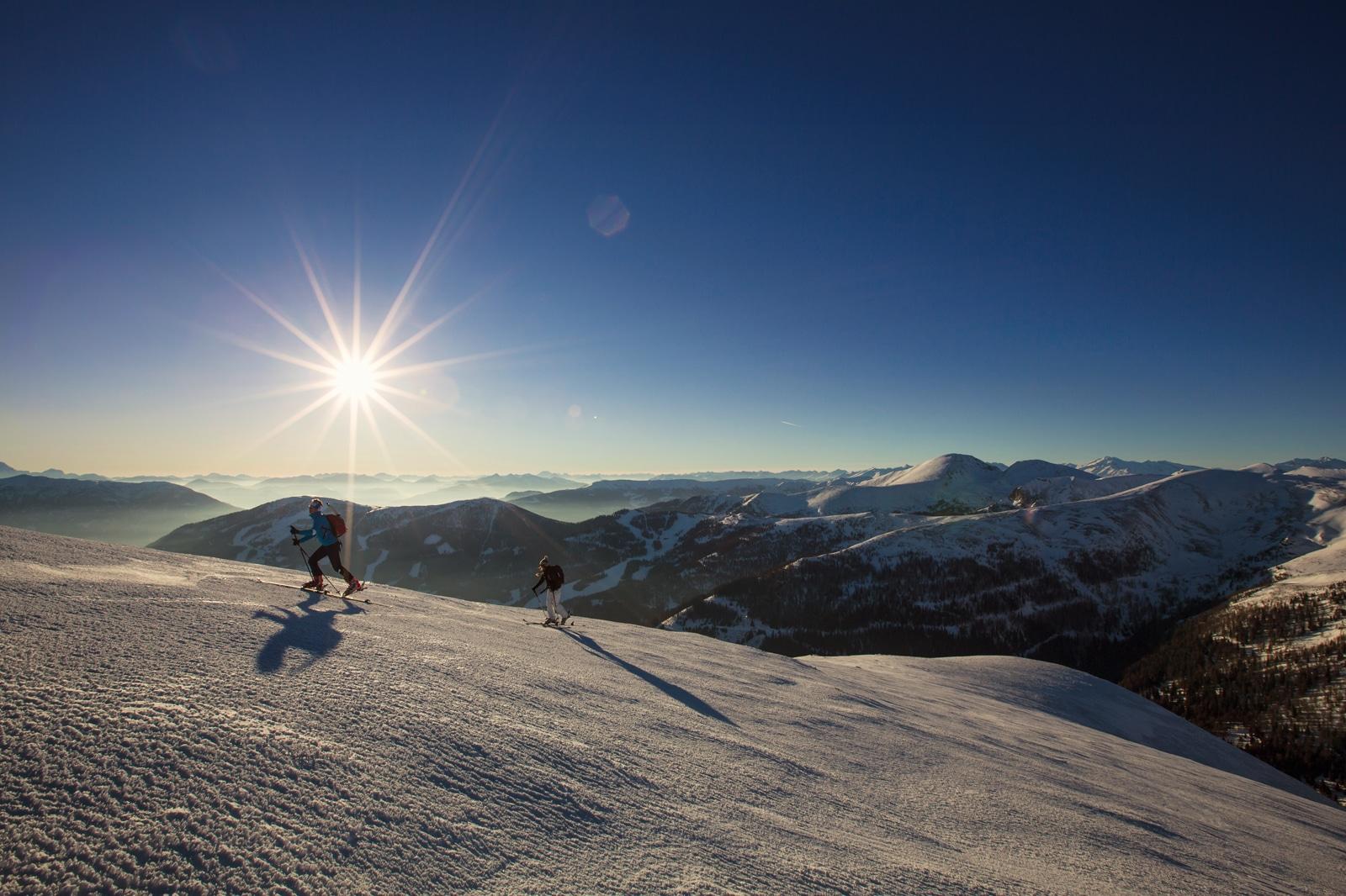 Herrliches Bergpanorama bei der Nockberge-Trail Skidurchquerung