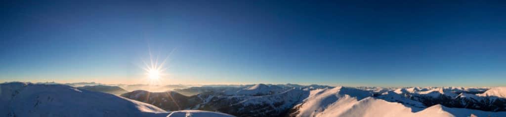 Panoramablick auf die Hundsscharte auf der Nockberge-Trail Skidurchquerung