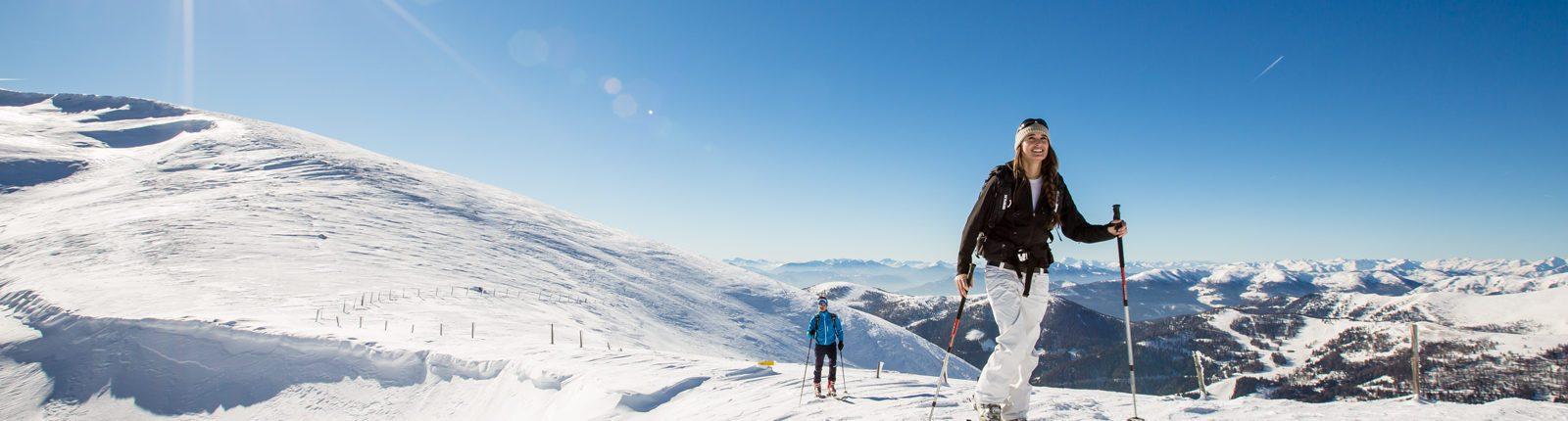 Skitourengeher bei der Hundsfeldscharte auf der Nockberge-Trail Skidurchquerung