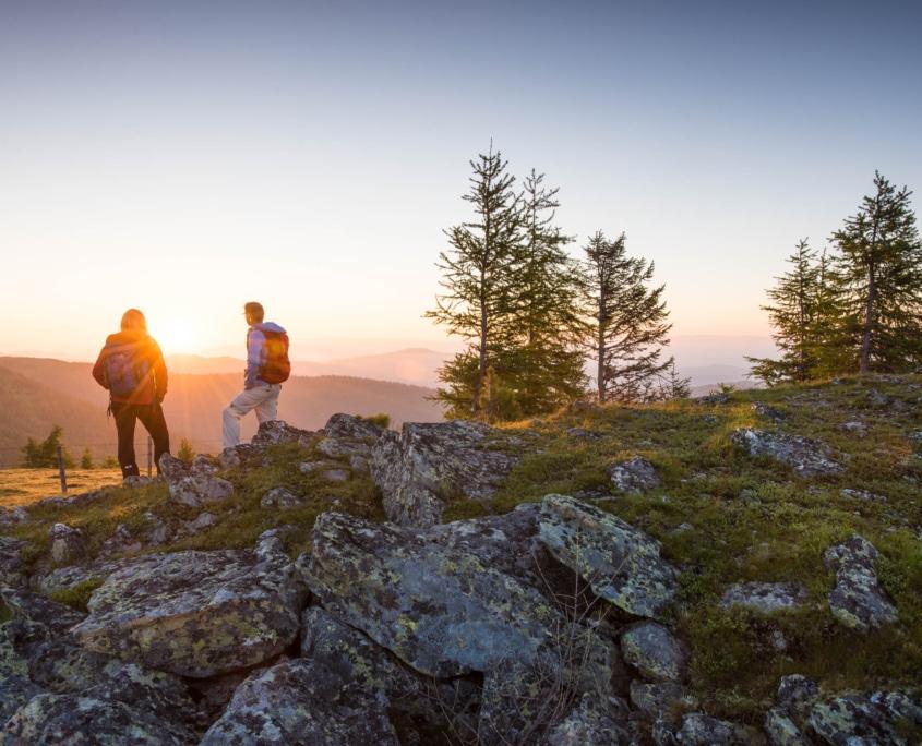 Sonnenuntergang am Nockberge-Trail Wanderroute